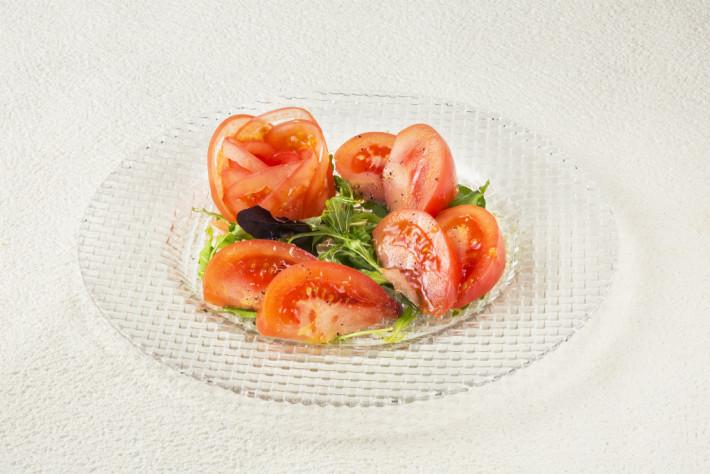 トマトサラダ 680円(税別)